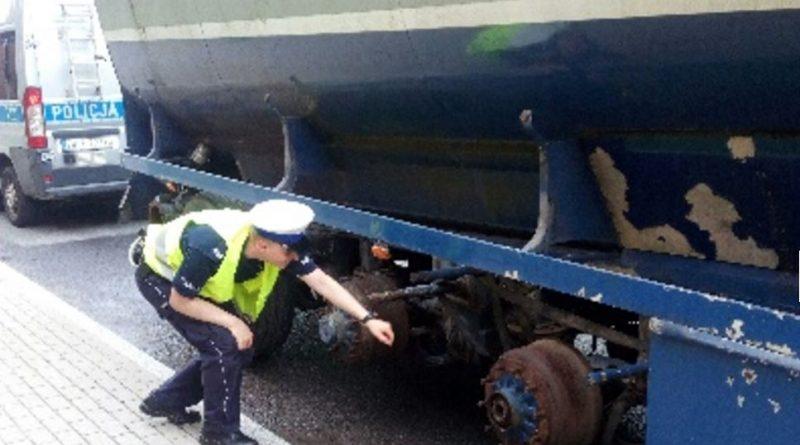Ostrzegał, że kieruje niesprawnym pojazdem! Policjanci…
