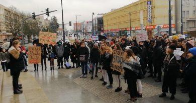 Drogie Dziecko - Szkolny Strajk Klimatyczny Olsztyn 2019 - fot. S. Olsztyn