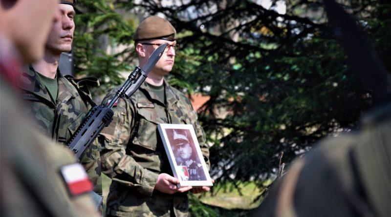 Terytorialsi pamiętają o bohaterach - Gen. bryg. Romuald Dąbrowski