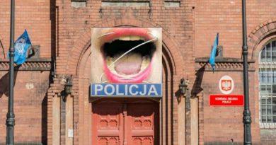 Oddział zamknięty - Gandzia górą w KMP Olsztyn
