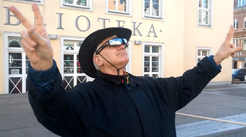 Charyzmatyczny lider partii LATO - Adam Socha - POD - fot. Stanisław Olsztyn