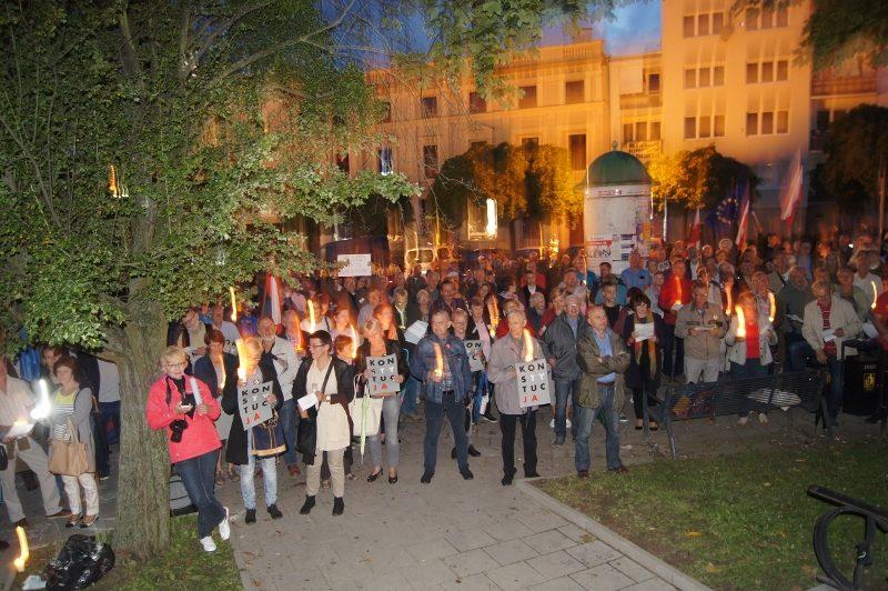 Protest przed Sądem Rejonowym w Olsztynie, 25.07.2017 r., fot. S. Olsztyn