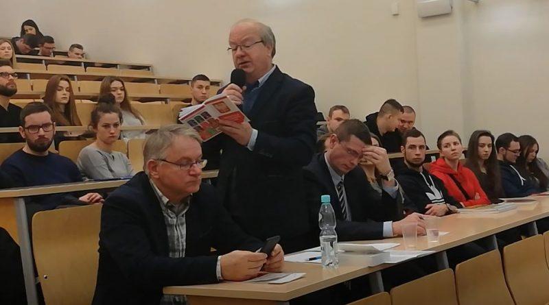 Młodzież kompletnie nic nie wie o Konstytucji - Andrzej Dramiński - 06.12.2018 - Debata na UWM - fot. S. Olsztyn
