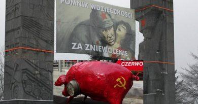 Komuniści wiecznie żywi - Rekomunizacja czyli świnia umyta w błocie