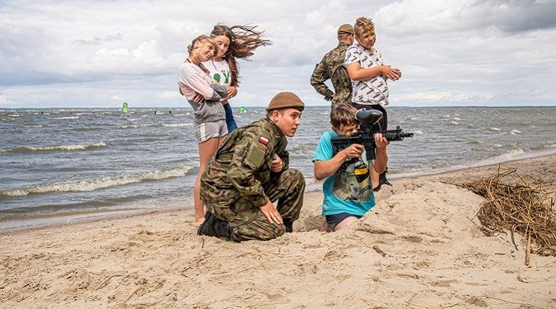 Terytorialsi z wychowankami Domu Dziecka Słoneczne Wzgórze - fot. 43 blp