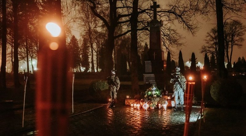 Dzień Pamięci o Poległych i Zmarłych w Misjach i Operacjach - 21.12.2020 - fot. J. Ćwiklewski