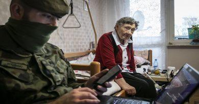 Terytorialsi wspierają seniorów - fot. WOT